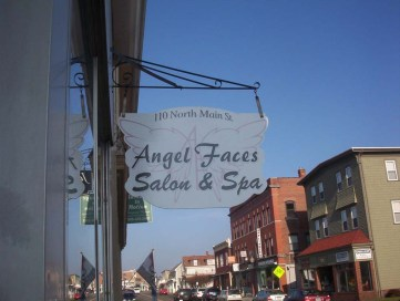 hanging-signs-0818-g