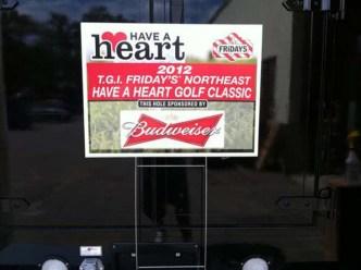 lawn-yard-golf-political-signs-0818-g