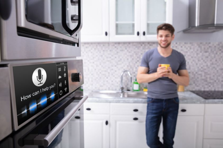 Oven With Voice Recognition Function In Kitchen