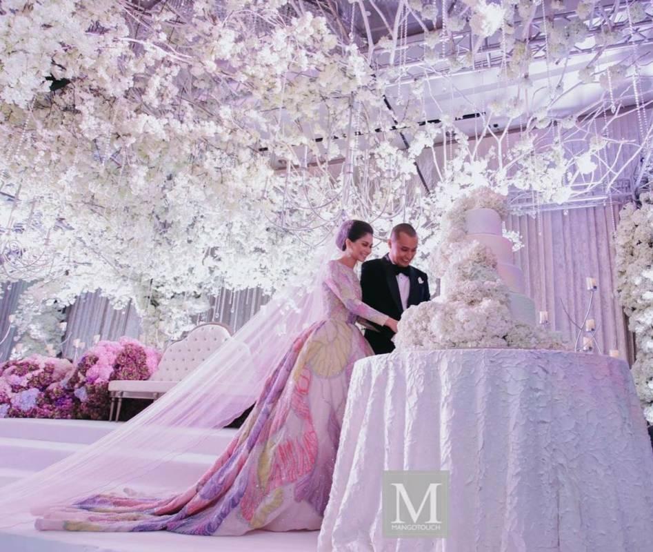 Simple Wedding Dress Hong Kong: Malaysian Celebrity Anzalna Nasir's Wedding At Grand Hyatt
