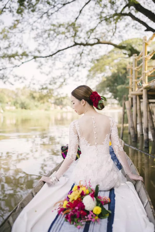 wedding-photography, wedding-dresses, wedding, style-fashion, destination-weddings, be-inspired - Embracing Chiangmai's Timeless Cultural Beauty