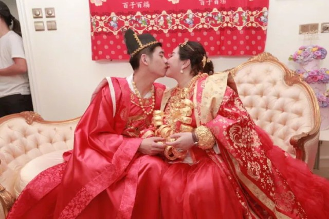 wedding, global-wedding, celebrity - Macau Casino Tycoon's daughter Sabrina Ho engaged to Thomas Xin, gets $87million property as gift