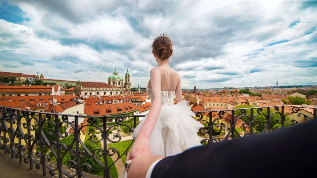 Destination Pre-wedding at Picturesque Prague & Putrajaya