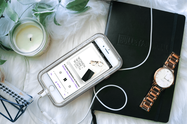 If your #newyearsresolution is to get more into #podcasts, then this one is for you! Find your top #motivational #girlboss #podcast to bring your #professional #career to new heights, further your #personaldevelopment, and help you smash your #goals in 2018!