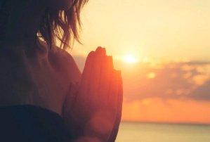 Oração Diária Poderosa Para Mudar Sua Vida e Alegrar Seus Dias