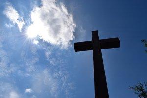 Leia o Poderoso Salmo 91 Para Fortalecer a Fé e Afastar Inimigos!
