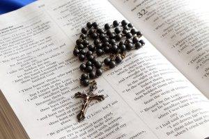 Significado de Soñar con un Rosario