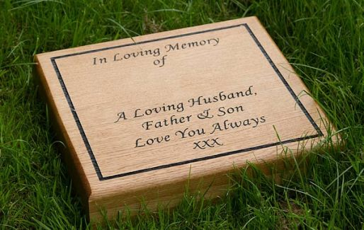 Wooden lawn Memorial