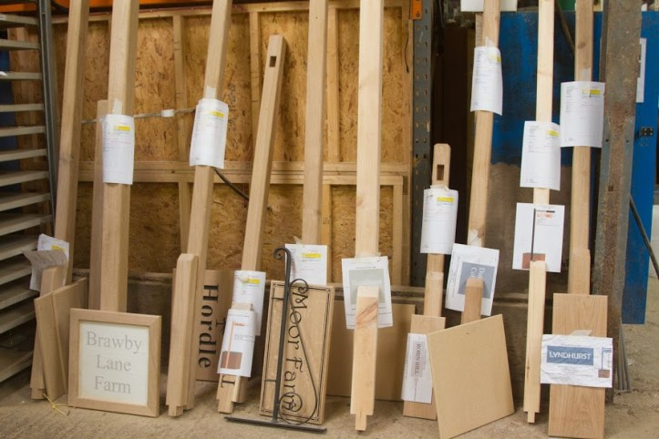 wooden-signs-posts