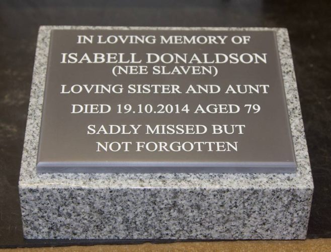 Small lawn memorial