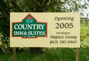 Country-Inn-Suites-20041009-123304-517