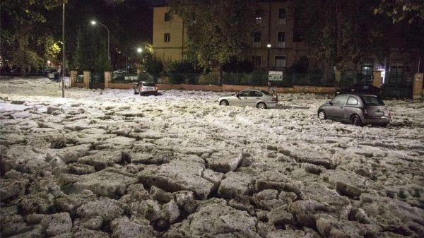 """Freak"" Hail Stones Hit Rome - Signs Of The Last Days"