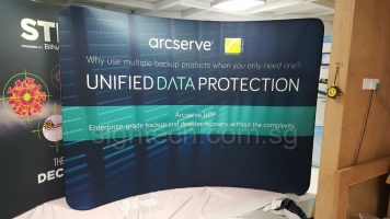 3 x 2.25m Tension fabric display - curve - arcserve