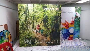 portable Pop Up display 3 x3 for road show - Merrell