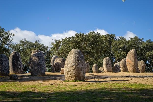 Mengenali kajian semiotik terhadap nilai-nilai peninggalan kebudayaan Megalitik Bagian 1
