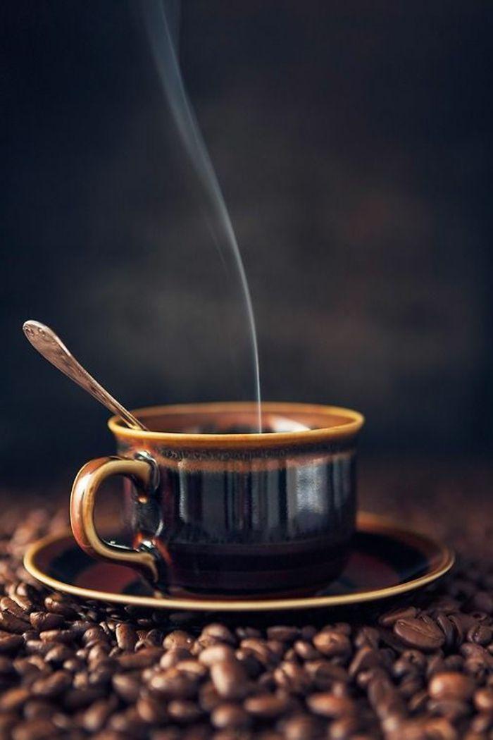 هل تحرم القهوة الجسم من المياه؟