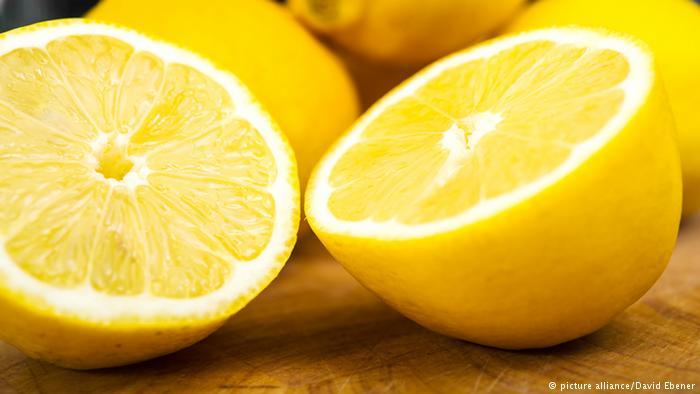 استنشاق رائحة الليمون يخلصنا من الإرهاق
