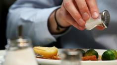 الولايات المتحدة الأميركية. تقليل استهلاك الملح يغني عن أدوية ارتفاع ضغط الدم