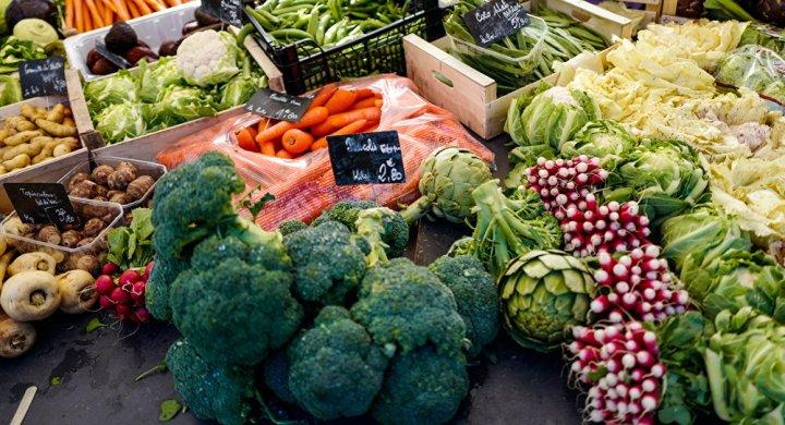 الخضراوات النيئة تهدد صحتك