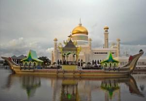 Sultan Omar Ali Saifuddien Mosque was built in 1958