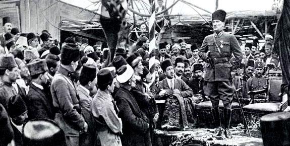Atatürk ve İzmir Marşı