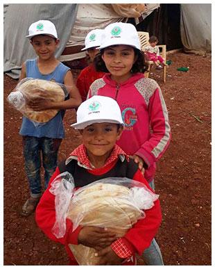 İdlibe İnsani Yardım Faaliyeti Suriyeli Mültecilere Yiyecek Dağıtımı