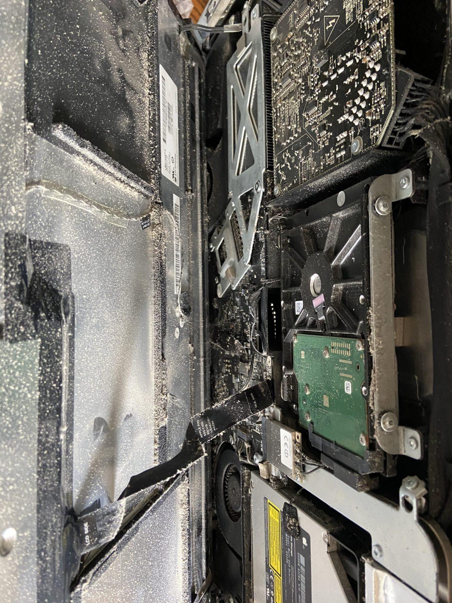 Dusty iMac 2011