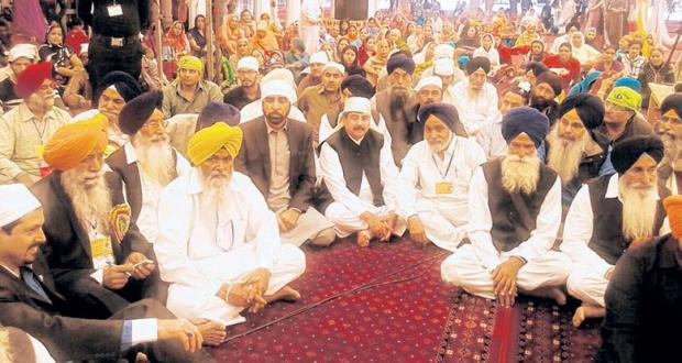 Sangat Taking part celebration of Gurpurb at Gurdwara Sri Nankana Sahib