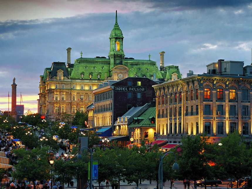 59-Place_Jacques-Cartier-Old_Montreal_12.jpg