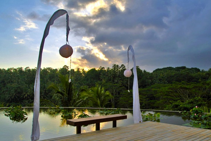 Four-Seasons-Resort-Bali-at-Sayan- Ubud-Silencio-Hotels-Luxe-rooftop-arrival