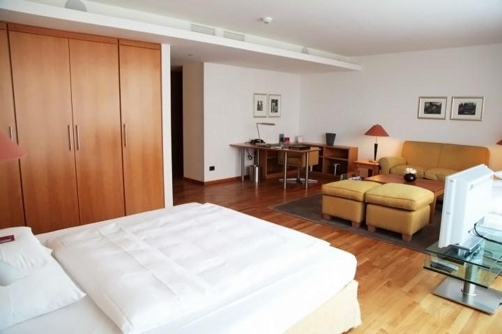 Mandala_Hotel-Berlin-Silencio-executive-suite-02