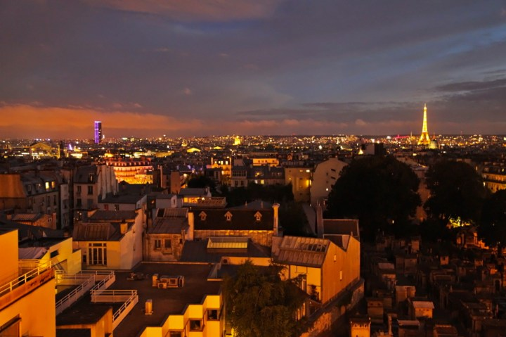 Terrass-Hotel-Paris-Silencio-Chambre-Deluxe-Vue-Eiffel-Paris-By-Night