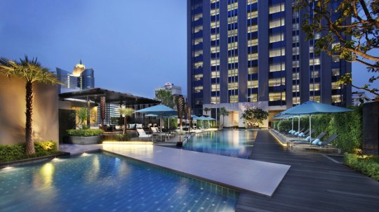bangkok-sofitel-bangkok-sukhumvit-pool-silencio