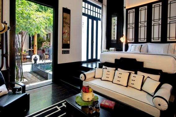 the-siam-hotel-bangkok-silencio-room-garden