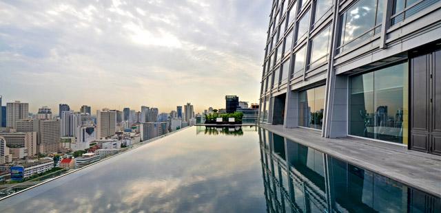 okura-bangkok-hotel-piscine-toit-silencio