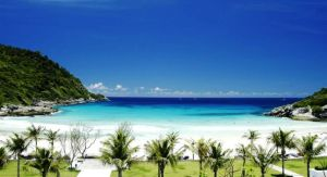 the-ratcha-top-hotel-luxe-phuket-beachfront-silencio