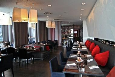 brunch-hotel-paris-renaissance-makassar-lounge-silencio