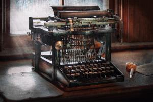 steampunk-typewriter-a-really-old-typewriter-mike-savad[1]