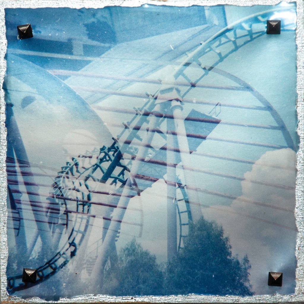 Double-exposure roller coaster