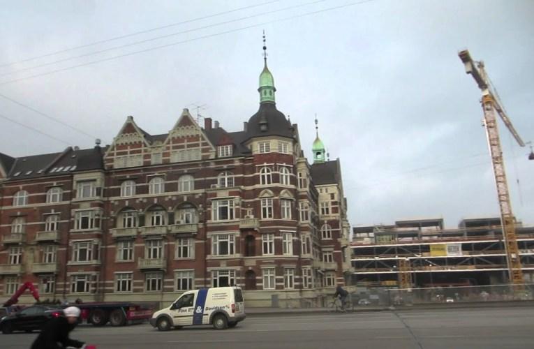 Being a Tourist in København