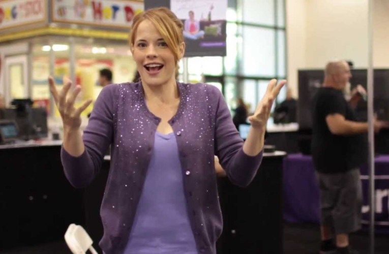 Katie Leclerc Welcomes you to DeafNation-Pomona!