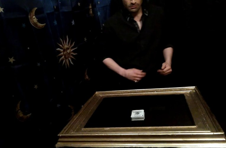 Deaf Magician's Ambitious Cards Routine