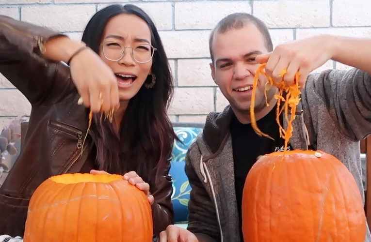 HOW TO CARVE A PUMPKIN LIKE A PRO | Sign Duo