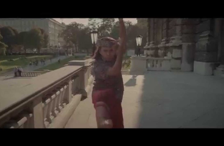 Pharrell Williams – Happy (Official International Sign Language)