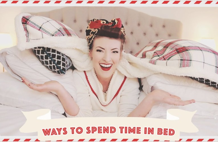 10 Ways to Spend Time in Bed // Vlogmas 2019 Day 20
