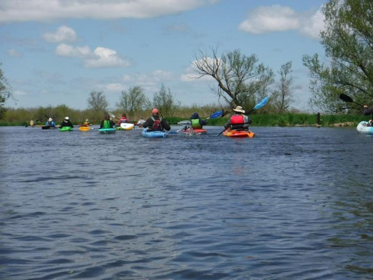 Group guided paddle trip on the Horicon marsh, Wi