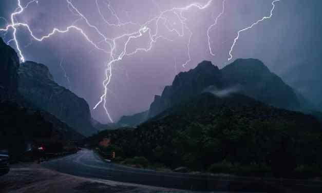 Want to take awesome lightning photos? 5 Secrets to take photos of the lightning