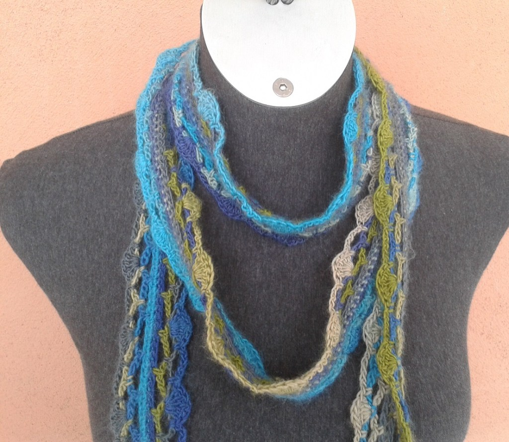 Nicois Skinny Crochet Scarf