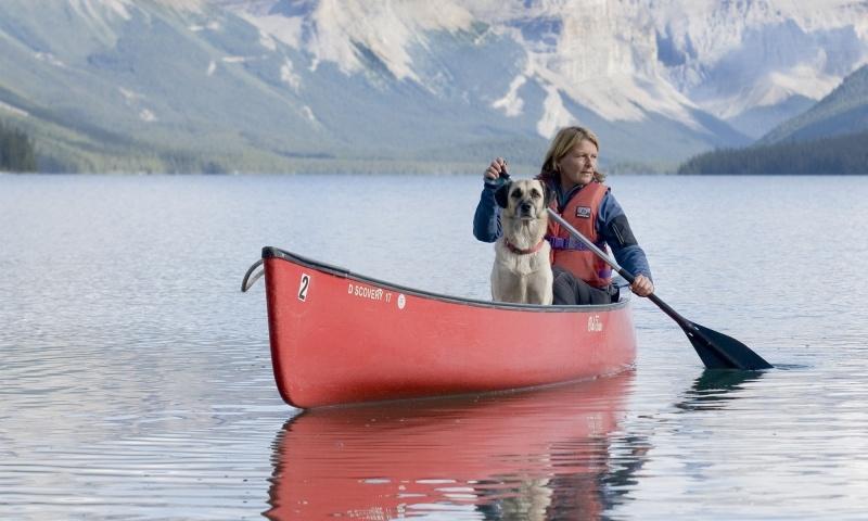 Canada mit Hunde und Boot