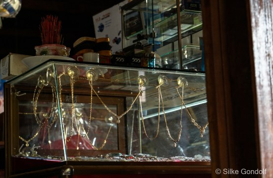 in the market, one of the chinese gold traders